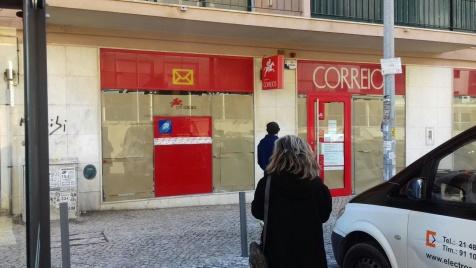 Estação dos CTT do Casal da Barota, Belas, foi encerradada de um dia para o outro.