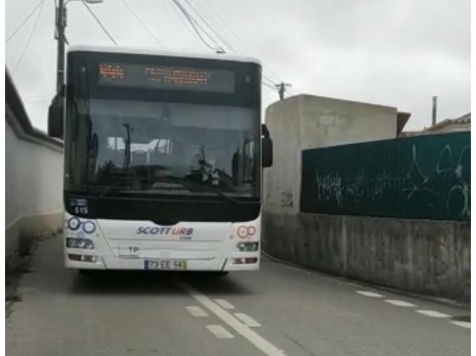 alterações ao trânsito em Magoito canalizaram transito para ruas estreitas